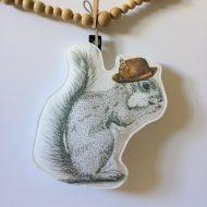 ecureuil suspendu
