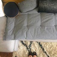 En protection de canapé